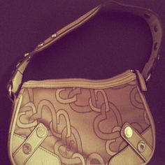 *Final Price* Heart Detail Handbag