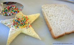 How to make a window sandwich - Laughing Kids Learn Piece Of Bread, Childrens Party, Girl Scouts, Kids Learning, Kids Meals, Tea Party, Laughing, Sandwiches, Birthday Parties