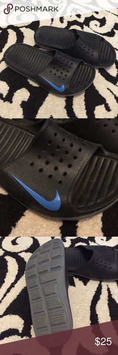 Nike sandals These are in excellent condition. Black with blue check. Women's 7. Nike Shoes Sandals