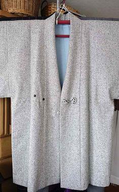 Mens Kimono Jacket, Male Kimono, Kimono Japan, Japanese Outfits, Kimono Fashion, Mantel, Tunic Tops, Sweaters, How To Wear