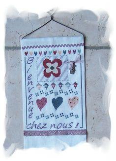 """A&B59 """"Bienvenue chez nous fleuri"""" Le Point, Points, Pot Holders, Creations, Patchwork Fabric, Bergamot Orange, Floral, Jewelry Designer, Embroidery"""