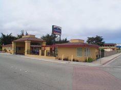 Dog friendly hotel in Seaside, CA - Howard Johnson Express Inn Monterey Seaside