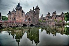 sightseeing in castle park De Haar, (the castle)