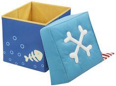 HABA Opbergbox Piraat - De vrolijke zitkubus is te gebruiken als poefje maar is ook een prima opbergbox voor al jouw schatten. Op de binnenzijde van deze piraten opbergbox staat een kompas afgebeeld. Afmetingen: 30 x 30 x 30 cm, belastbaar tot 60 kg.
