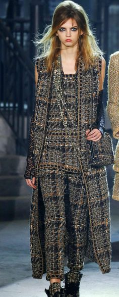 Chanel Lesage Metallic Braided Fantasy Tweed Dress For Sale 3 Chanel 2015, Coco Chanel, Chanel Brand, Chanel Runway, Chanel Couture, Chanel Paris, High Fashion Outfits, Only Fashion, Fashion Brand