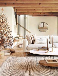 Living Room Shop, Living Room Decor, Living Spaces, Living Rooms, Family Rooms, Decor Room, Hotel Lobby, Navy Sofa, Estilo Interior