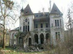 Abandoned.......haunted...    ........................................................ Please save this pin... ........................................................... Because For Real Estate Investing... Visit Now!  http://www.OwnItLand.com