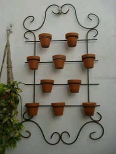 Encontrado House Plants Decor, Plant Decor, Iron Furniture, Garden Furniture, Apartment Herb Gardens, Metal Garden Gates, Wrought Iron Decor, Iron Plant, Flower Stands