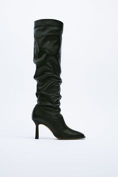 Leather High Heel Boots, Knee High Boots, Salvatore Ferragamo, Fendi, Kitten Heel Boots, Simple Fall Outfits, Jacquemus, Michael Kors Collection, Fall Trends