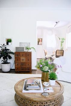 House Tour: A Bright Mix of Old & New in Georgia | Apartment Therapy