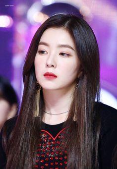 Check out Black Velvet @ Iomoio Red Velvet アイリーン, Red Velvet Irene, Kpop Girl Groups, Kpop Girls, Korean Girl, Asian Girl, Velvet Fashion, Beautiful Gorgeous, Korean Beauty