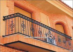 4069 Balcón forja y fundición