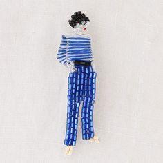 Lisetteのアクセサリー・小物 Marianne Batlle ブローチのページです。リネンの生地や製品、お洋服。器やかごなどの生活雑貨。フランス菓子もお届けします。