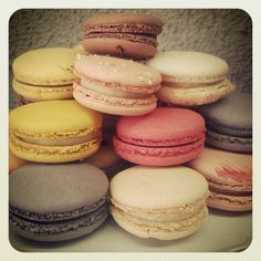 Fancy party food: French macarons.