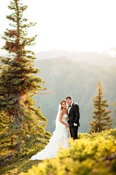 15-Aspen-Wedding-Deck-Couple-portrait