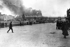 The Custom House in Dublin is captured and destroyed by the Dublin Brigade of the Irish Republican Army. Get premium, high resolution news photos at Getty Images Ireland Pictures, Old Pictures, Old Photos, Ireland 1916, Dublin Ireland, Irish Republican Army, Dublin House, Gone Days, Dublin Street