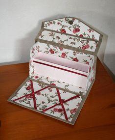 Papier velours Pelage Taupe  de la Théière de bois, tissu fleuri et papier