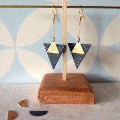 Boucles d'oreilles triangles en cuir noir par Aikabijoux sur Etsy