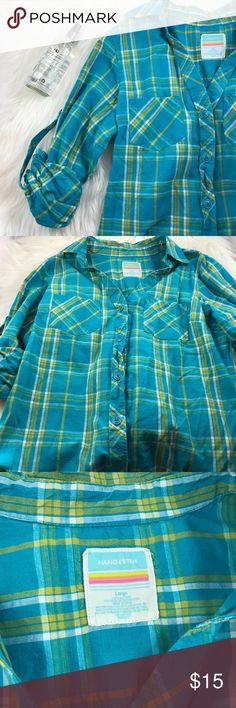 "🆕 10/23 - Green Plaid Button Up 3/4 Sleeves Hang ten size large button up. Bought it years ago, barely worn. No imperfections. Double breast pockets. 41"" bust, 16.5"" length from underarm seam. This listing is for the shirt only, no other items are included. Hang Ten Tops Button Down Shirts"