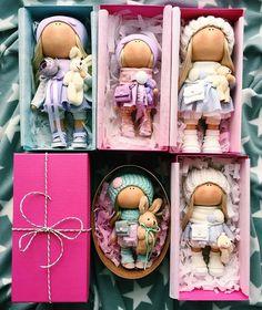 Есть свободные куколки24 см и 20 см ПишитеБольшая фиолетовая и мятная кроха уже при маме #tatiananedavnia #tilda #wedding #pink #pillow #МК #decor #fabrik #handmad #knitting #love #cotton #baby #кукла #шитье #выставка #шеббишик #пупс #платье #подарок #праздник #работа #ручнаяработа #сделайсам #своимируками #ткань #тильда #интерьер #интерьернаяигрушка #интерьернаякукла