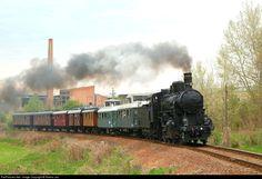 RailPictures.Net Photo: MÁV 324 540 MÁV Nosztalgia kft. 324 540 at Bakonyszentlászló, Hungary by Ferenc Joó