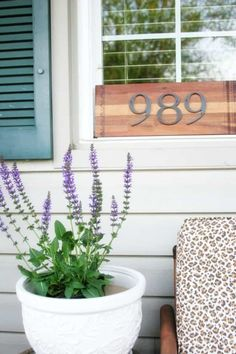How to Make a House Number Sign in Minutes #diy #diyhousenumbersign #housenumbersign