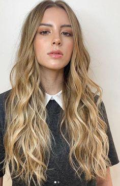 Cabelo liso e escovado com óleo de argan profissional - GOALS - Long Wavy Hair, Long Layered Hair, Long Hair Cuts, Balayage Hair Blonde, Brown Blonde Hair, Blond Beige, Haircuts For Wavy Hair, Short Hair With Layers, Grunge Hair