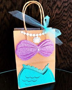 Custom made party decorations & Mermaid Party Favors, Mermaid Theme Birthday, Little Mermaid Birthday, Little Mermaid Parties, Baby Mermaid, Birthday Diy, Party Kit, Party Bags, Wrapping Paper Crafts