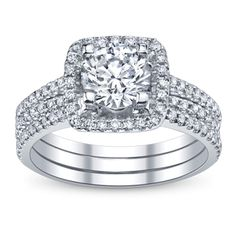 Style And Glamour In One Engagement Ring And Wedding Ring Set