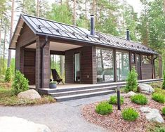 Straight summer cottage in Sysma Tyni House, Tiny House Cabin, Tiny House Design, Cabin Homes, Log Homes, Tiny Homes, Bungalow, Modern Barn House, Casas Containers