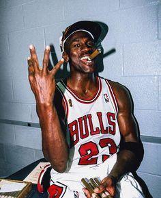 Jordan is the world's first athlete billionaire. Michael Jordan the greatest basketball player of all time Had the NBA top salar. Basketball Legends, Sports Basketball, Basketball Players, Best Nba Players, Basketball Moves, College Basketball, Ar Jordan, Michael Jordan Basketball, Michael Jordan Chicago Bulls