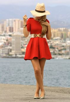 This dress would look great with my floppy hat!