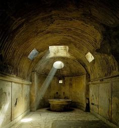 Forum Bath, Pompeii, ca 80 BC You can still feel the moisture in the air Ancient Myths, Ancient Rome, Ancient History, Historical Artifacts, Ancient Artifacts, Pompeii And Herculaneum, Pompeii Italy, Barrel Vault Ceiling, Roman Architecture