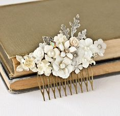 Wedding Hair Comb Bridal Hair Accessories Vintage by lonkoosh For more wedding inspiration please visit www.lolabeeandme.com