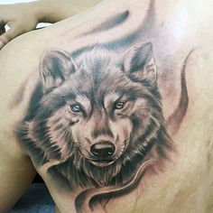 Guys Shaded Wolf Back Tattoo
