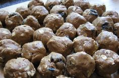 Homemade NO-BAKE dog treats...peanut butter balls with oats. Doggies will love me for this.