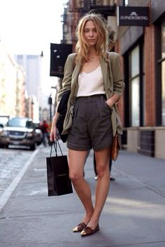 How to wear linen shorts                                                                                                                                                                                 Más