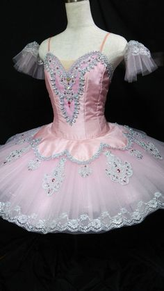 Exclusive Tutu created for Nutcracker extremely elegant and delicate pale pink tutu has been designed for the role of the Sugar Plum Fairy in . Tutu Ballet, Ballerina Costume, Ballet Costumes, Dance Costumes, Bolshoi Ballet, Carnival Costumes, Baby Costumes, Pretty Dresses, Beautiful Dresses