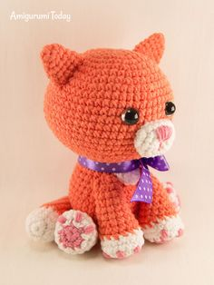 Crochet Toys Free Ginger cat crochet pattern - This little ginger cat amigurumi is just waiting to win the hearts of cat fans everywhere! Measuring about 4 i Crochet Cat Pattern, Crochet Patterns Amigurumi, Cute Crochet, Amigurumi Doll, Easy Crochet Projects, Ginger Cats, Stuffed Toys Patterns, Crochet Animals, Cross Stitches