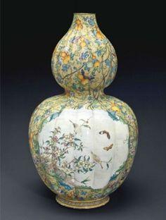 A rare large painted enamel double-gourd vase, Qianlong period (1736-1795)