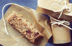Mam dziś dla Was bardzo prosty przepis na ciasto z kaszy jaglanej, które można pokroić na coś w rodzaju batoników. Takie jaglane ciasto jest oczywiście bezglutenowe, a dodatkowo też wegańskie i nie dodajemy do niego cukru ani żadnych chemicznych dodatków, np. proszku do pieczenia. Samo zdrowie! Przepis na zdrowe ciasto z kaszy jaglanej / batoniki… Czytaj więcej …