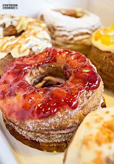 Raspberry Creamcheese croughnut - yum!!  http://www.certifiedfoodies.com/2013/08/dolcelatte-cronut-croughnuts/
