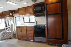 2005 Used Fleetwood Bounder 32 Class A in North Carolina NC.Recreational Vehicle, rv, 2005 Fleetwood Bounder 32, 2005 Fleetwood Bounder 32W. Number 1 family recommended and purchased class A motorhome in America. Traded in to a new car Dealership, the previous owner took meticulous care of her. I have purchased the RV as I have personally owned multiple Class A motorhomes over the past 20 years and realized that this RV was in excellent condition. She is on the workhorse chassis with the…