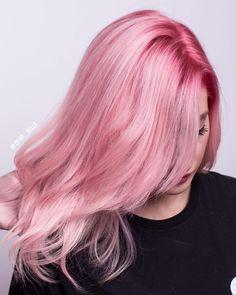 """101 curtidas, 4 comentários - Isabella Carolina ✂️HairArt✂️ (@dear_bella) no Instagram: """"Cherry Blossom ✨ . Um dos cabelos que rolou no meu último curso de colorimetria."""""""