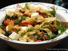 » Enkel pastasalat – til hverdag og fest! Feta, Potato Salad, Buffet, Potatoes, Vegetarian, Pizza, Ethnic Recipes, Mad, Potato