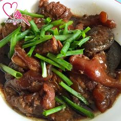 Miki's Food Archives : Braised Meat With Pork Tendons & Mushrooms ~ Press...