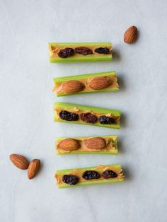 Bookmark this healthy + portable high-protein snack to make Nut Butter Boats. High Protein Snacks, High Protein Low Carb, High Protein Recipes, Protein Foods, Snack Recipes, Cooking Recipes, Healthy Recipes, Diet Recipes, Healthy Breakfasts