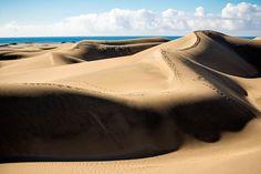 Dunas de Maspalomas (Gran Canaria, Islas Canarias) Portugal, Canario, Canary Islands, Cool Photos, Oxford, Wanderlust, Beach, Travel, Magazine