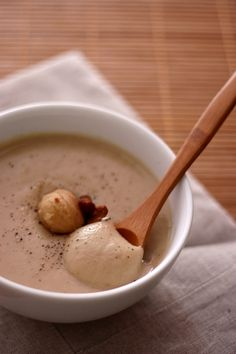 Autumn cream soup: Parsnips and chestnuts - - No Salt Recipes, Veggie Recipes, Cooking Recipes, Healthy Recipes, Healthy Soups, Cream Soup Recipes, Food Porn, Easy Homemade Recipes, Food Inspiration