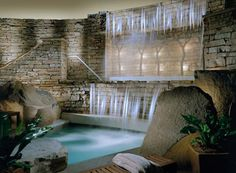 Embrace a philosophy of personal awakening and get away at Valk Chuah Lodge at Woodloch .A Destination Spa Resort .A Destination Spa Resort Spa Luxe, Luxury Spa, Luxury Resorts, Pool Spa, Jacuzzi, Spas, Indoor Waterfall, Pool Waterfall, Waterfall Design